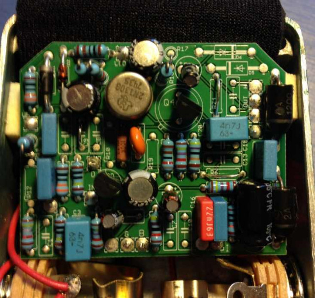 Re: BJFE - Emerald Green Distortion Machine component side